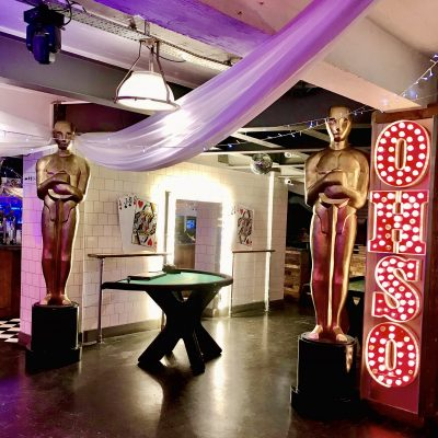 Offer O - Hollywood Statues